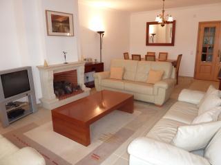 Ideally located, luxury top floor 3 bed apartment - Ferrel vacation rentals