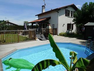 Holiday home with pool near Hossegor - Seignosse vacation rentals