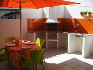 House with terrace good price - Peniche vacation rentals