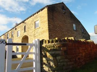 Comfortable Barn with Internet Access and Satellite Or Cable TV - Huddersfield vacation rentals
