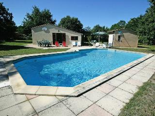 Medoc holiday cottage with pool - Carcans vacation rentals