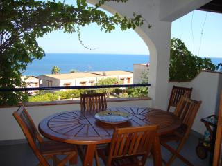 Beautiful 2 bedroom Sciacca Apartment with Tennis Court - Sciacca vacation rentals