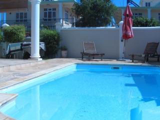 VILLA LUXUEUSE AVEC PISCINE - Flic En Flac vacation rentals