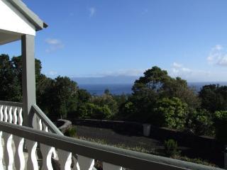 Hortênsia 2 bedroom/ocean view/breakfast included - Piedade vacation rentals