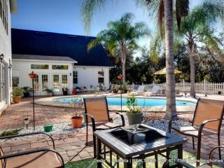 Orlando, Daytona New Smyrna Deltona Suite Sleeps10 - Deltona vacation rentals