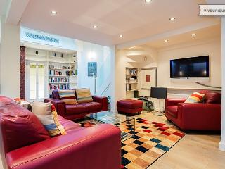 Beautiful and bright 1 bedroom home on Parkhill Road, Hampstead - London vacation rentals