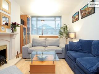Smart 2 bedroom apartment on Eamont Street, walk to Regent's Park - London vacation rentals