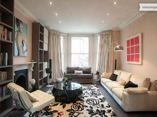 Stunning 5 bedroom modern family home, The Chase, Clapham - London vacation rentals