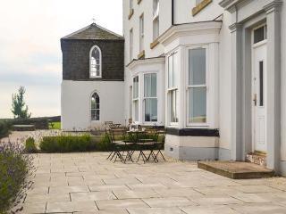 THE LOOKOUT, luxury, en-suites, sea views, Grade II listed watch tower, in Embleton, Ref 20248 - Embleton vacation rentals