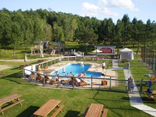 14Blueberry Lake Papineau Chalet - Labelle vacation rentals