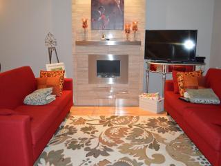 Brownstone Elegance 2 bedroom Townhome - Vancouver Island vacation rentals