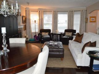 A Taste of Elegance in James Bay-6 month min. - Victoria vacation rentals