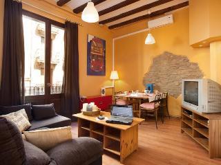 PICASO A,BORN AREA, 5 mins walking to Ramblas! - Barcelona vacation rentals