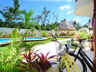 Charming condo in Tulum ! w/ Pool - Tulum vacation rentals