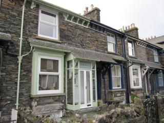 Bright 2 bedroom Cottage in Bowness & Windermere - Bowness & Windermere vacation rentals