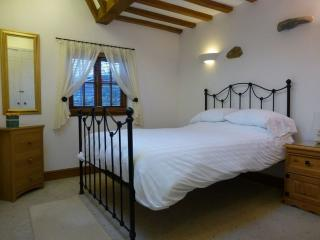 SWALLOWS BARN, Howtown, Ullswater - Howtown vacation rentals