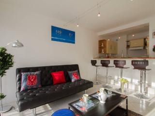 Comfortable apartment + parking in La Rochelle - La Rochelle vacation rentals