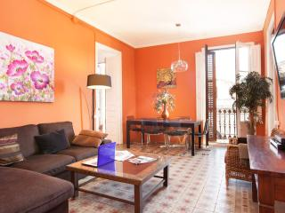 LUXURY PALACE, BORN! 5 mins walk Ramblas&Beach! - Barcelona vacation rentals