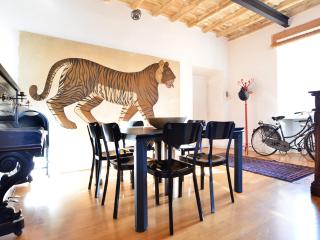 Campo de Fiori cozy apartment - Rome vacation rentals
