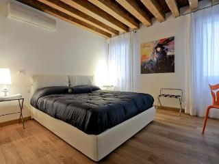 Lion 1 - Central two bedroom flat with lift - Venice vacation rentals