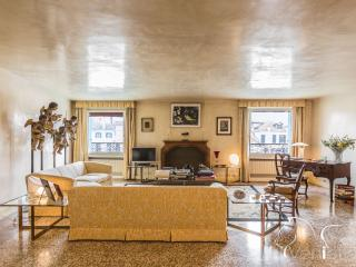 Ca' Nova on the Canal Grande - Luxury apartment on the Canal Grande - Venice vacation rentals