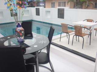 Bann Tai Avenue 13 (Near The Beach) - Surat Thani vacation rentals