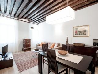 Julian 1 - Two bedroom flat just off San Mark's Square - Veneto - Venice vacation rentals