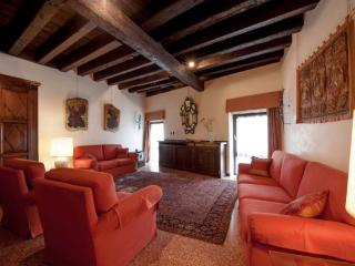 Palazzo Mocenigo - Romantic and Luxury flat with Canal Grande View - Oriago di Mira vacation rentals
