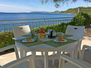 2 bedroom Apartment with Internet Access in Stobrec - Stobrec vacation rentals