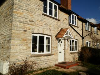 Gorgeous Cottage with Internet Access and Central Heating - Langport vacation rentals