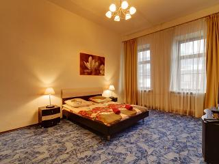 Cozy flat near Moskovsky Railway Station (348) - Saint Petersburg vacation rentals