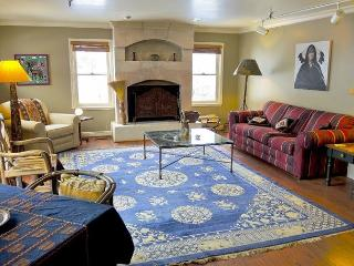3BR/2.5BA Unique Mountain Condo, 100 Feet from the Town Lift, Sleeps 8 - Park City vacation rentals
