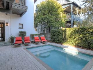 Roger's Cottage - Private Heated Pool & 1 Min to Beach - in Rosemary Beach! - Rosemary Beach vacation rentals