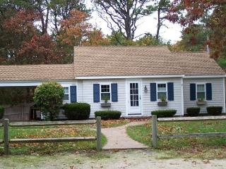 2 Pine Tree Court right side in West Harwich 125199 - West Harwich vacation rentals