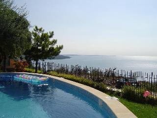 """lovely holiday villa""""Seaveiw house """",The Black Sea - Albena vacation rentals"""