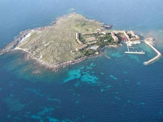 casa su isola privata in una riserva naturale - Carbonia vacation rentals