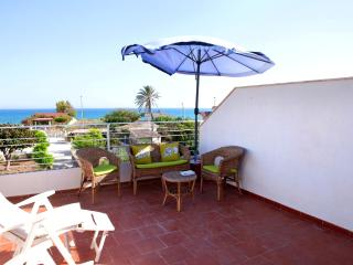 Sunny Pozzallo vacation House with Internet Access - Pozzallo vacation rentals