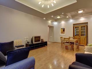 2 bedroom apt on B. Morskaya, 13 (290) - Saint Petersburg vacation rentals