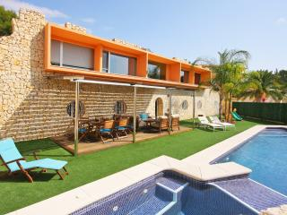 Villa Oasis -  Close to the sand beach and town-center. - Calpe vacation rentals