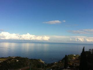 2 bedroom Condo with Internet Access in Taormina - Taormina vacation rentals