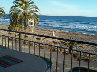2nd floor, ocean-front, close Barcelona, 4-7pers - Calafell vacation rentals