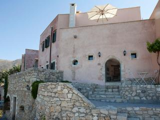 Captain Antonis, Traditional House close to Chania - Kastellos vacation rentals