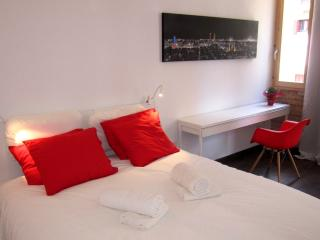New 1 bed flat Poble Sec Montjuic 1 - Barcelona vacation rentals