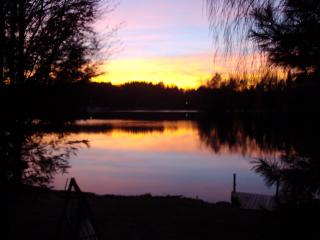 Cozy House with Deck and Internet Access - Lake Ariel vacation rentals