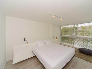 Cozy Condo with Internet Access and A/C - Key Biscayne vacation rentals