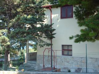 Gargano S.Menaio large apartment in Villa Matassa - San Menaio vacation rentals