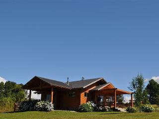 Lovely Cabin with Internet Access and Satellite Or Cable TV - Pucon vacation rentals