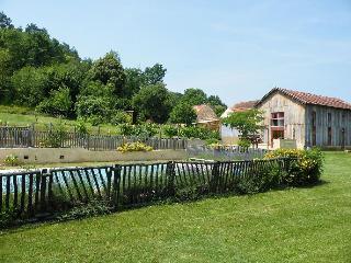 La Tabatiere (Le domaine de Pécany) - Le Buisson-de-Cadoin vacation rentals