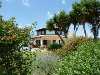 Bright 4 bedroom Vilamoura Bed and Breakfast with Internet Access - Vilamoura vacation rentals