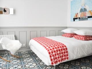 Loft/ little House /Marais X2 courtyard view + AC - Paris vacation rentals